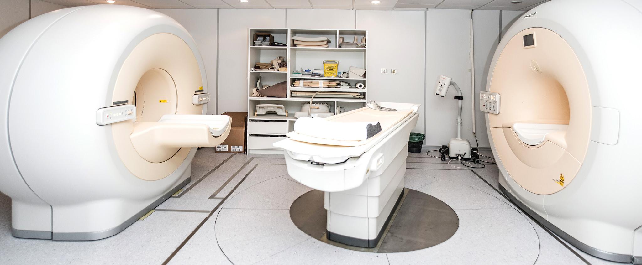Ingenuity PET-MRI de Philips de humanos (Equipo híbrido clínico de Tomografía por Emisión de Positrones-Resonancia Magnética) 5