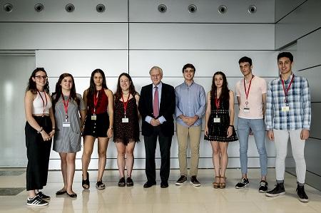 El Dr. Fuster con los alumnos del programa