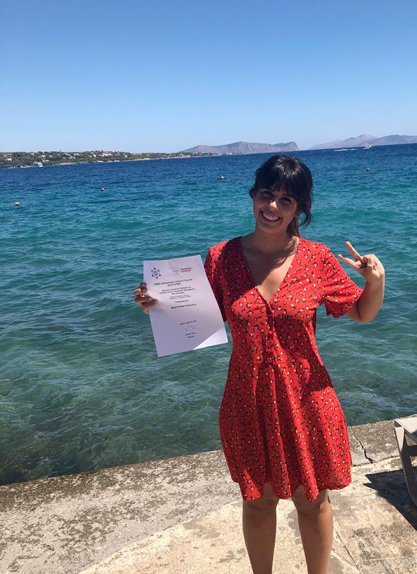 """Ana Paredes, nuestra estudiante predoctoral, ha recibido uno de los Premios a Mejor Póster en el Curso Avanzado FEBS: """"Epigenómica, Receptores Nucleares y Enfermedad"""" 2019, celebrado en Spetses (Grecia). #NuclearReceptors #Epigenomics #NurCaMeIn"""