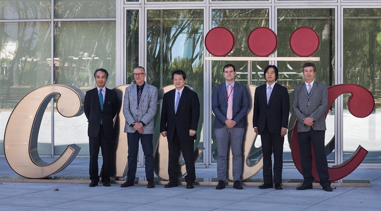 From left to right. Vicente Andres, Director of Basic Research of the CNIC; Mr. Makoto Suematsu, the President of the Japanese Agency for Research and Medical Development (AMED); Borja Ibáñez, Director of Clinical Research at the CNIC; Mr. Masahiko Noda, Managing Director of the Foreign Affairs Department, Alberto Sanz, Managing Director of the CNIC, and the First Secretary - Aggregate of Science and Technology – of the Japanese Embassy in Spain, Mr. Masahiro Aoki