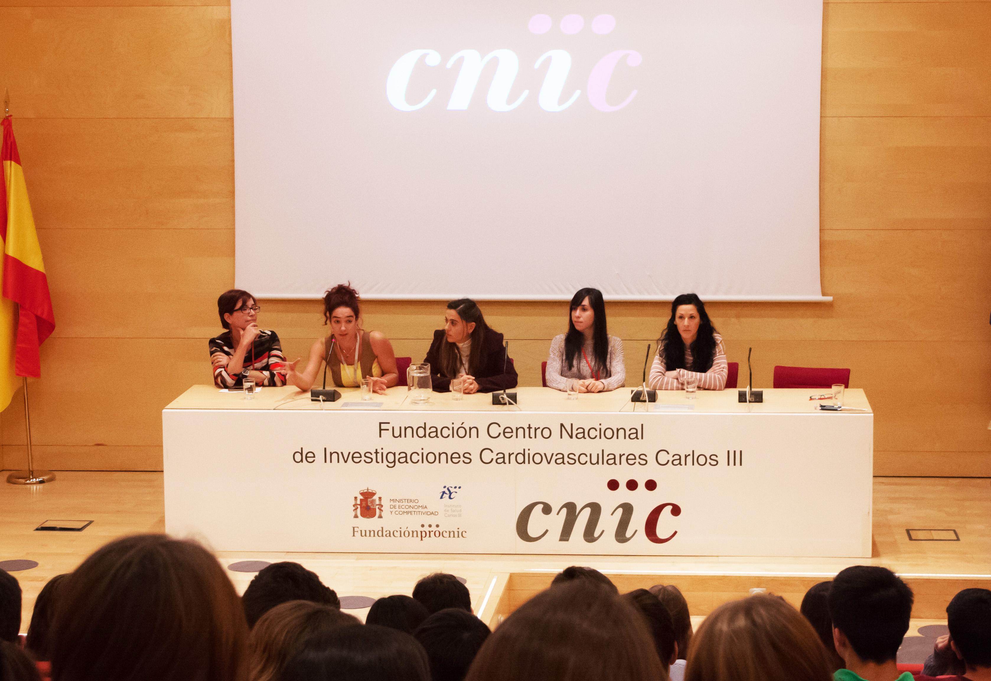 Julia Redondo, Rebeca Acín, Guadalupe Sabio, María del Valle Montalvo y Leticia Herrera Melle