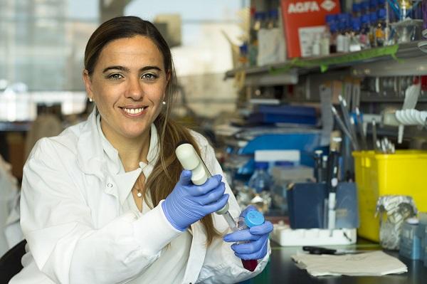 La Dra. Guadalupe Sabio en su laboratorio.