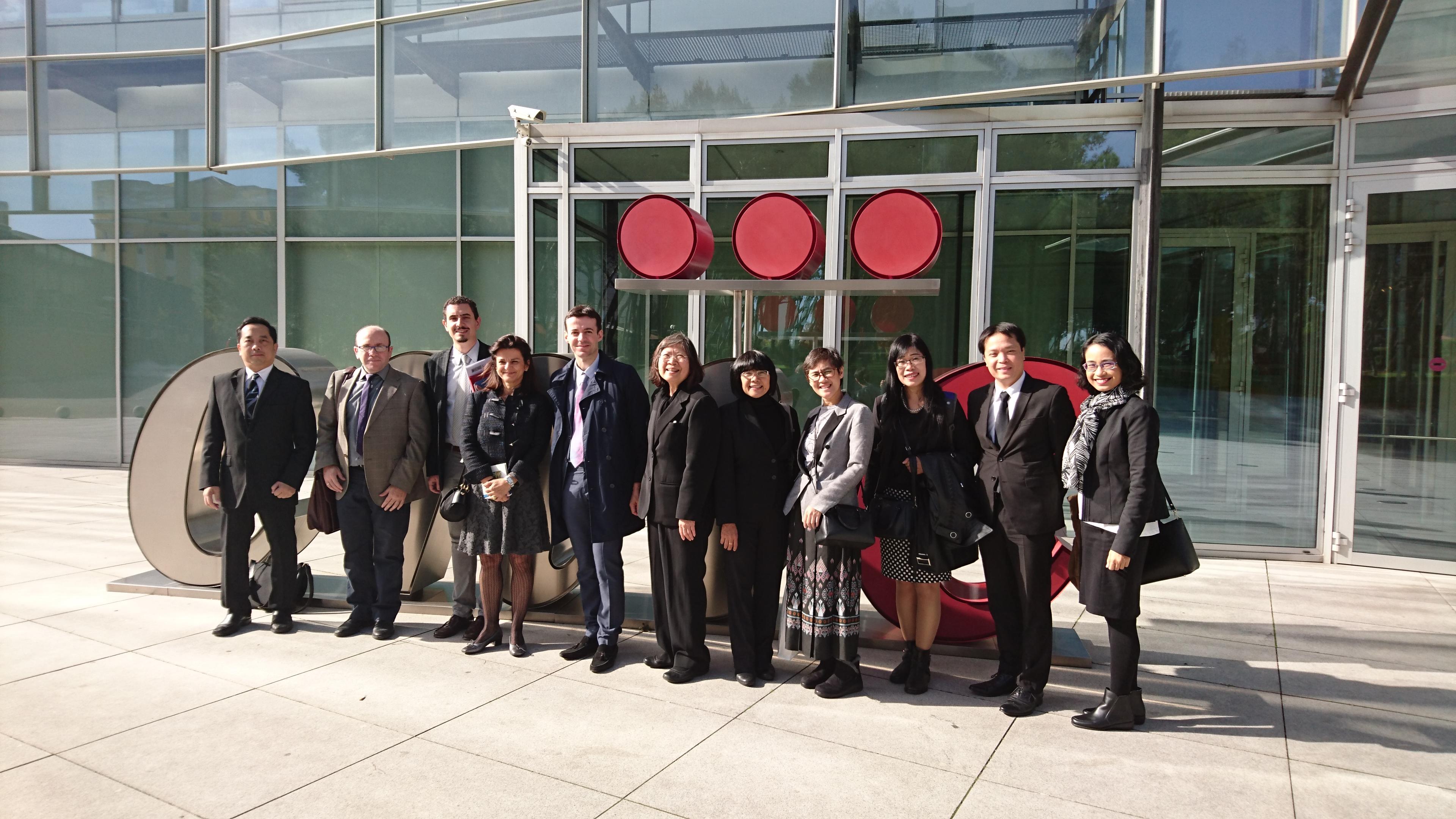 Representantes del sector tecnológico de Tailandia visitan el CNIC