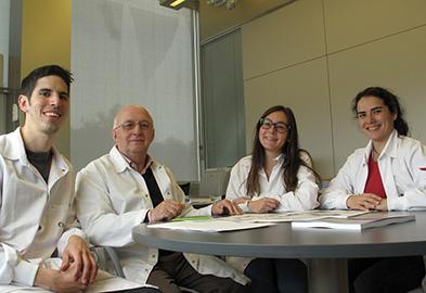 Eugenio Bustos Morán, Profesor F. Sánchez Madrid,  Noelia Blas Rus, Noa B. Martín Cófreces
