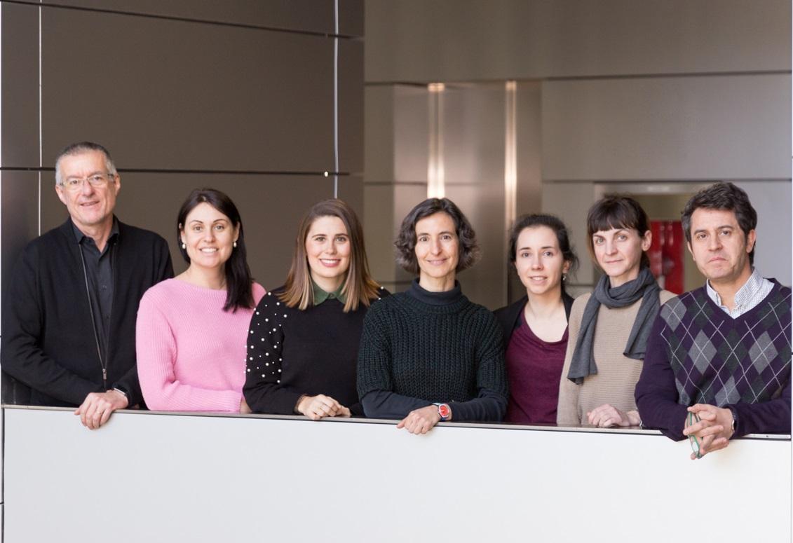 De izquierda a derecha, Emilio Camafeita, Vanessa Núñez, Cristina Clemente, Alicia G. Arroyo, Laura Alonso-Herranz, Cristina Rius y Vicente Andrés.