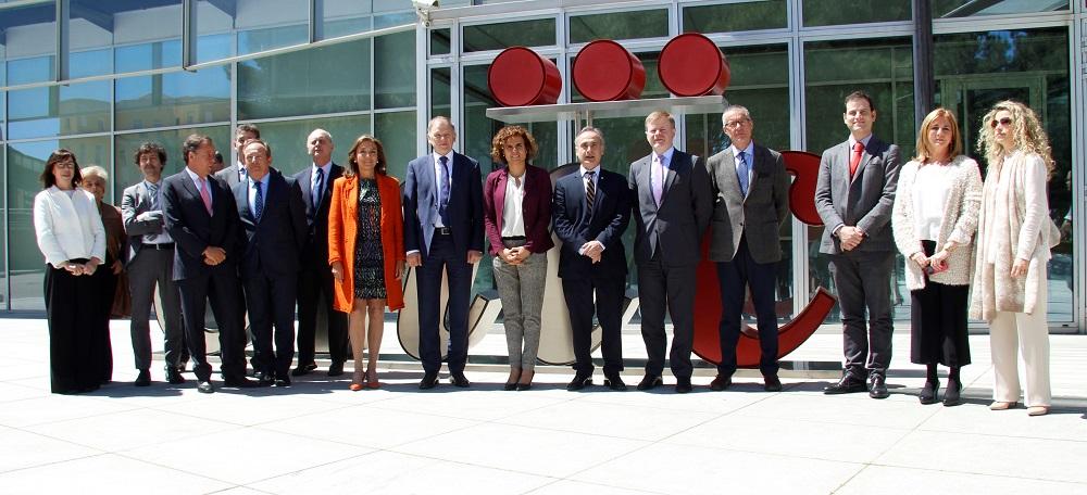 El Comisario de Salud y Seguridad Alimentaria de la Comisión Europea, Vytenis Andriukaitis, durante la visita al CNIC.