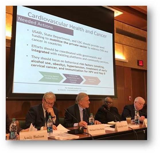 Dr. Valentín Fuster en la presentación del informe