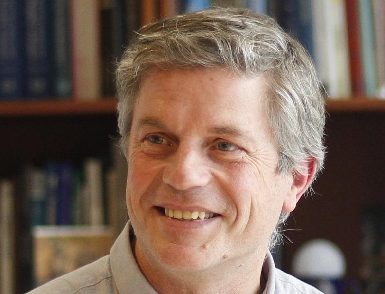 Dr. Miguel Torres