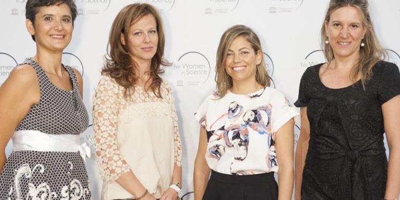 María Mittelbrunn (la segunda por la derecha) en el acto de entrega de los premios